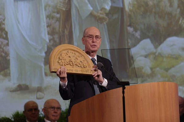 President Henry B. Eyring: Everyone can find time to be a missionary