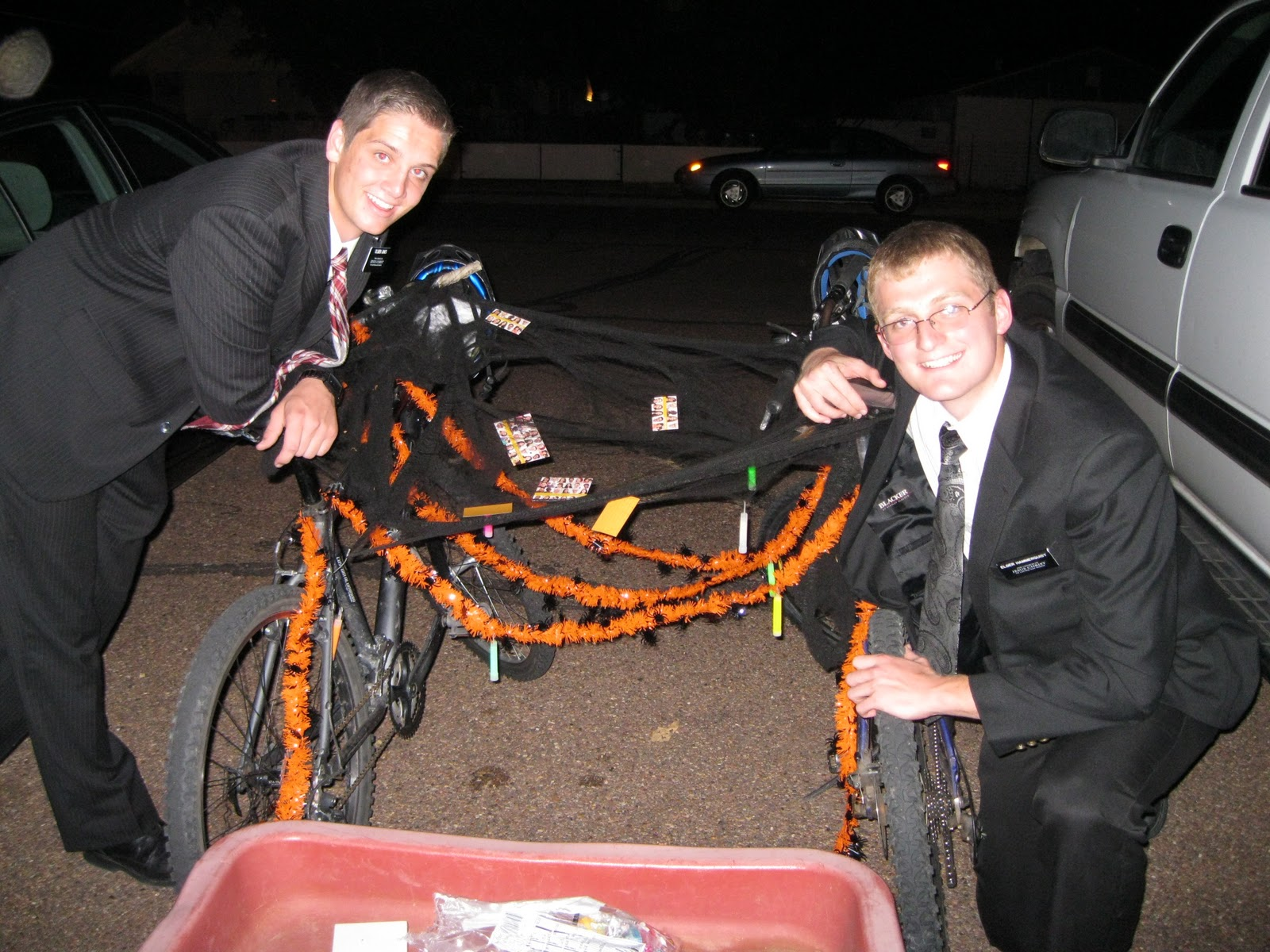 If you don't have a trunk, you can still do trunk or treat! via flakemissionaries.blogspot.com