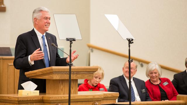 President Uchtdorf Expresses Gratitude to Inner City Missionaries