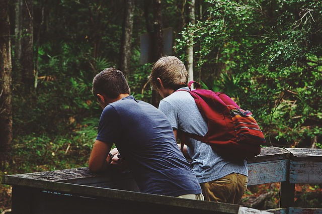 3 Ways to Avoid Offending People When Sharing the Gospel