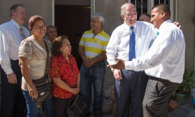 Elder Andersen Visits Mexican Earthquake Survivors
