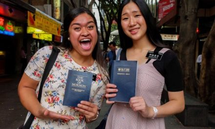 Australian news network features sister missionaries as 'Book of Mormon Musical' opens in Sydney